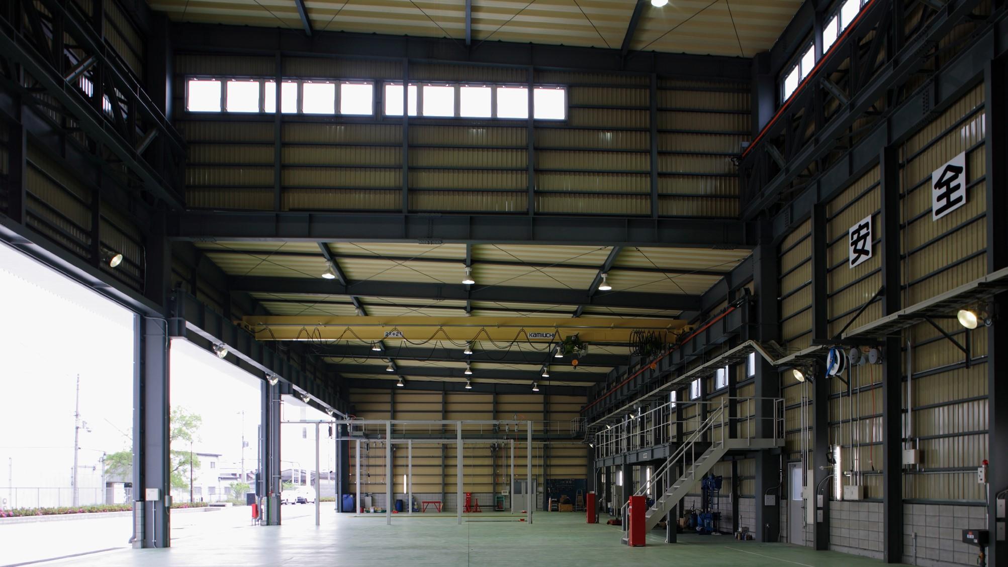 整備工場棟内部2